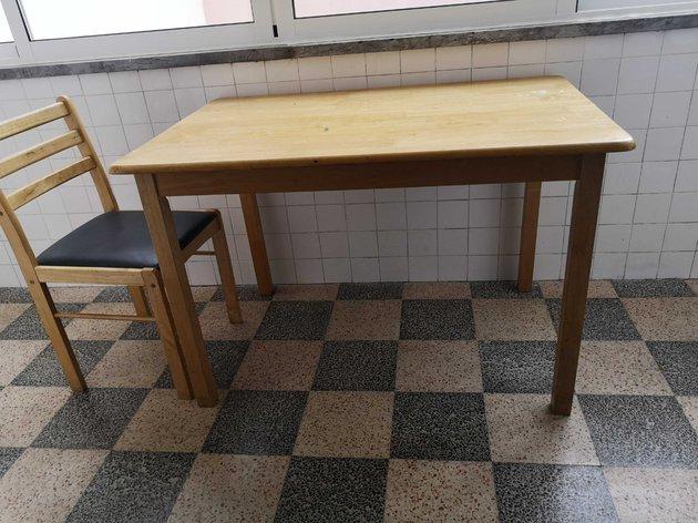 Mesa de cozinha com 2 cadeiras foto 1
