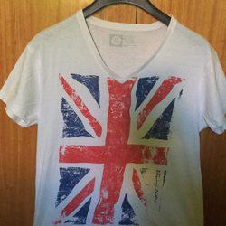 T-shirt com corte em V foto 1