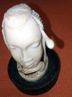 Vende se estatua africana antiga. foto 1