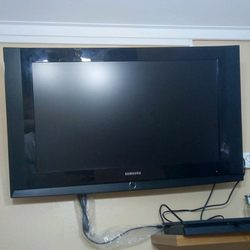 TV Samsung muito Bom estado c/c. foto 1