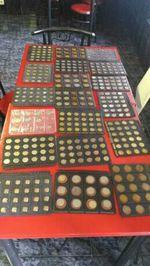 722 moedas de vários países foto 1
