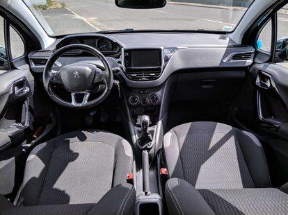 Peugeot 208 Style 1.2 PureTech (82cv) (5P) 08/2016 - IMPECÁVEL foto 1
