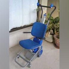 Cadeira elétrica para subir e descer escadas foto 1
