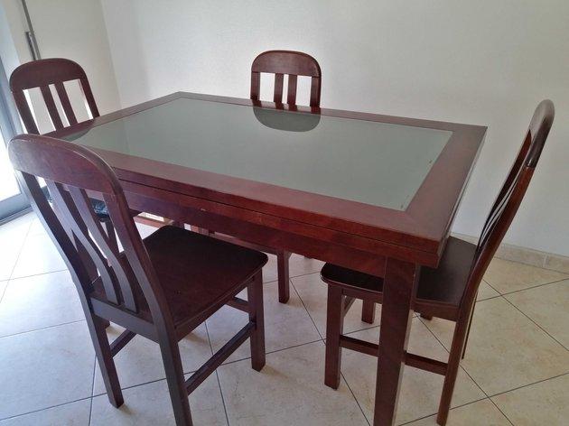 Mesa e cadeiras de refeição foto 1