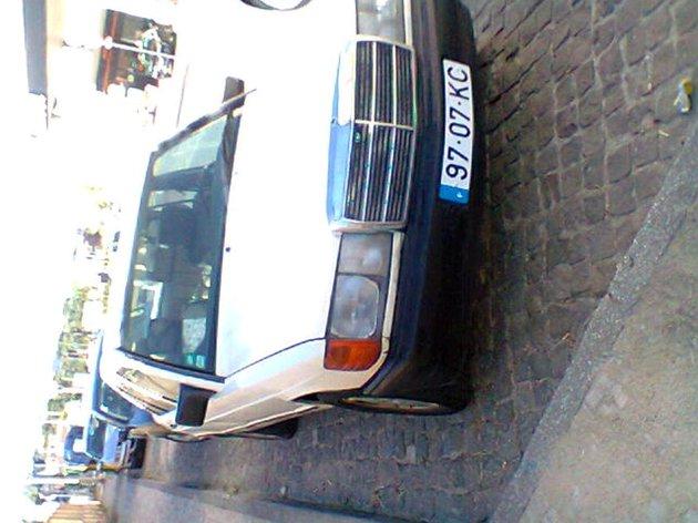 Mercedes-Benz 190 foto 1