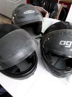 Vendo 3 capacetes em bom estado 80euros foto 1