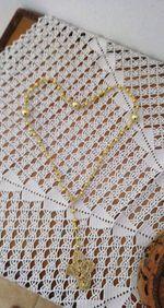 Rosário em crochet e pérolas foto 1