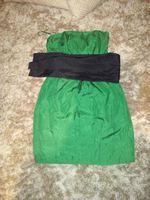 Vestido cerimônia Zara, verde e com fachada preta. Tamanho S foto 1