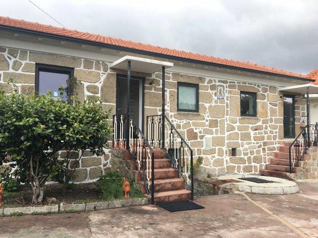 Moradia na localidade de Bandavises, Vouzela foto 1