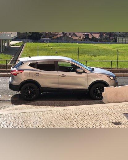 Um carro  967347673 foto 6
