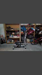 Estou a vender uma bicicleta elíptica. foto 1