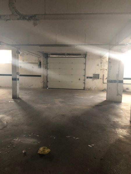 Vendo garagem em Belas com 1800 metros quadrados foto 1