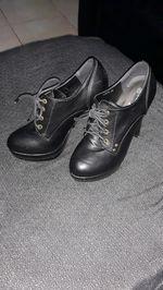 Vendo sapato usados poucas vezes foto 1