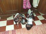 Sapatos de Salto novos a estriar foto 1