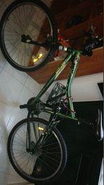 Uma bicicleta nova Verde mais uma coluna bluetooth foto 1
