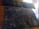 Trio carpete e dois tapetes. foto 1
