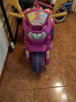 Vendo mota eléctrica criança 6v com carregador foto 1