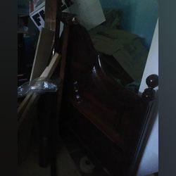 Vendo cama de casal usada mas em bom estado foto 1