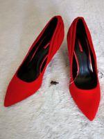 Sapatos vermelhos Novos foto 1