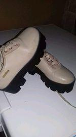 Sapatos de sola alta Tamanho 32 foto 1