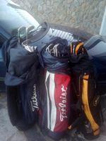 3 sacos completos de golf semi novos...30€ cada foto 1