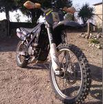 Mota com moto e danificado com documentos foto 1