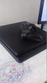 PlayStation 4 1TB foto 1