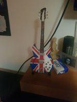 Vendo Guitarra de coleção foto 1