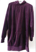Vestido de veludo com capuz. Bershka. foto 1