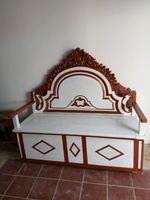 Banco em madeira maciça de boa qualidade foto 1