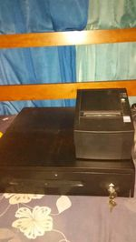Caixa registradora e máquina de guardar dinheiro foto 1