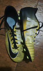 Vendo sapatilhas da Nike só foram usadas uma vez foto 1