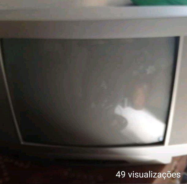 Televisor a cores sem comando. foto 1