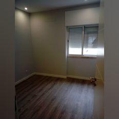 Apartamento T 3  centro de portimao remodelado boas  areas varandas espaco garagem. foto 1