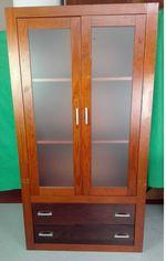 Armário em Madeira com 2 Portas de Vidro foto 1