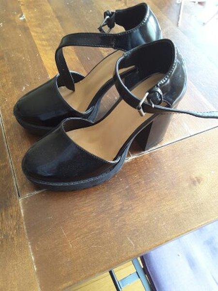 Sapatos tamanho 35 foto 1