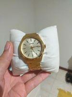 Relógio gold Lórus,usado 1 vez com elos ajustáveis foto 1
