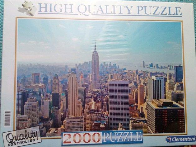 Puzzle realista 2000 pessas NOVO ainda por abrir foto 1