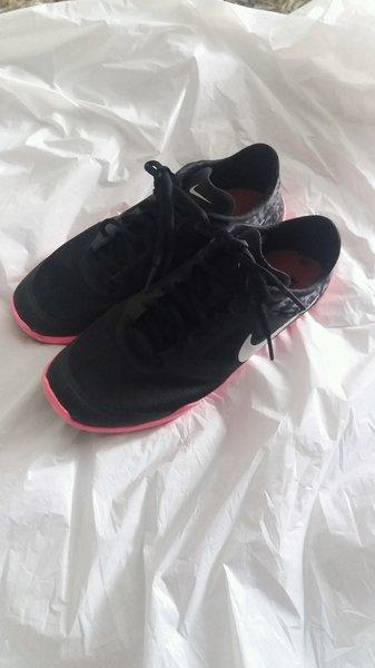 Nike 37 foto 1