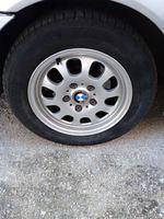 Jantes 15 originais da BMW com pneus 205/60 Michel foto 1