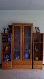 1- estante e duas colunas para livros 1-bar c/ ban foto 1