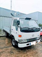 Toyota Dyna 150 foto 1
