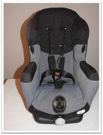 Cadeira Auto Bébé Confort Iséos Seminova foto 1