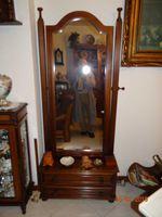 Espelho grande inclinável com base em madeira foto 1