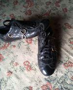 Sapato muito confortável todo em pele da DIOR . foto 1