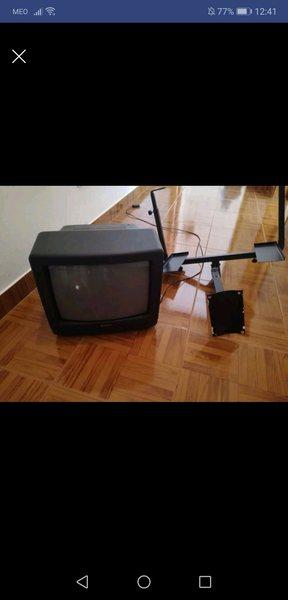 Televisor a cores sem comando com suporte Parede foto 1