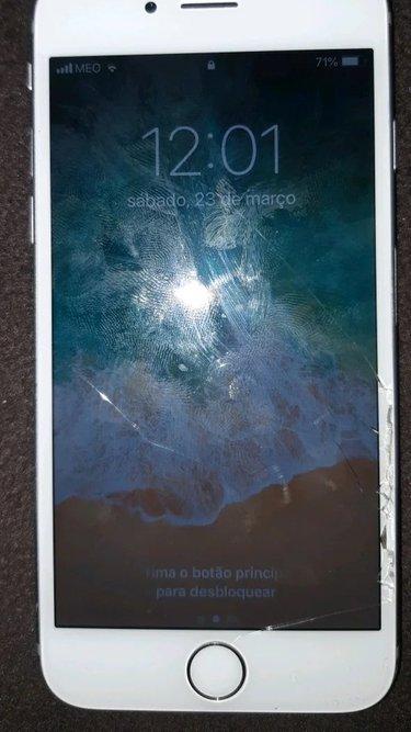 Vendo iphone 6s com carregador tbm aceito trocas foto 1