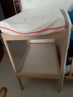 Muda fraldas Ikea em bom estado,  com colchão foto 1