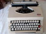 Máquina de escrever antiga foto 1