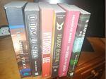 Vendo vários livros foto 1